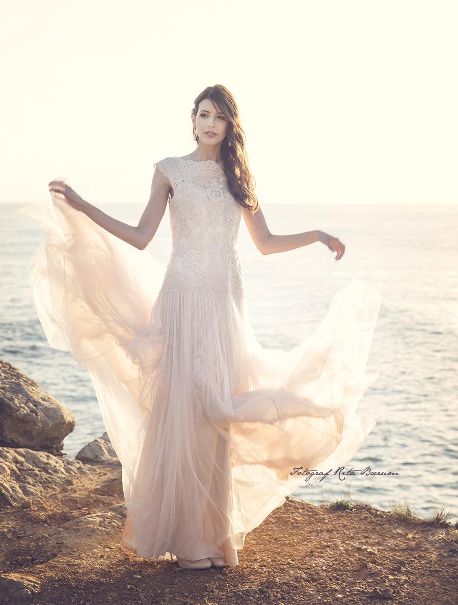 Fashionshoot i Cascais med vakre Rita Costa fra Lisboa.