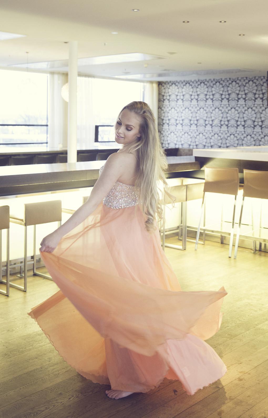 Sara Hassing i Miss Universe Norway konkurranse